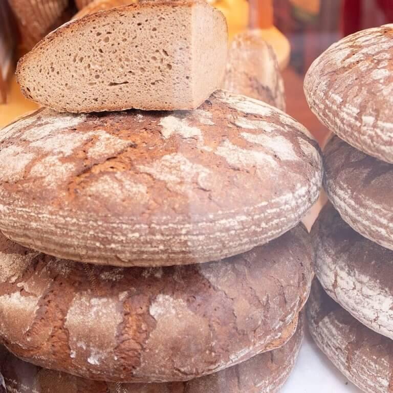 Tagesfrisches Brot aus der Steinmühle
